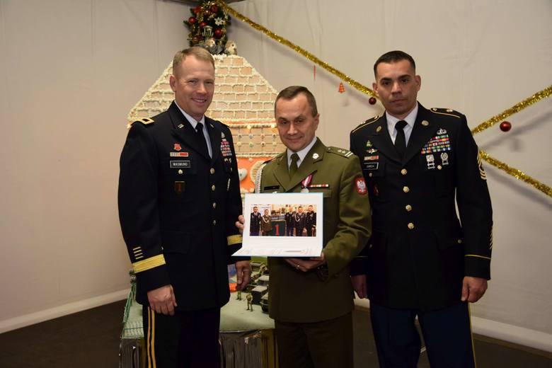 Nie brakuje uroczystości i imprez, na których pojawiają się wojska polskie i USA.