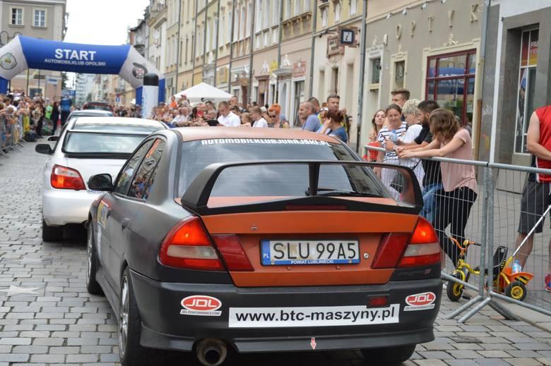 W sobotę na Rynku w Opolu będzie honorowy start rajdu.