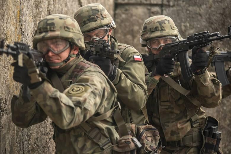 Podczas szkolenia poligonowego żołnierze 5. Batalionu Strzelców Podhalańskich w Przemyślu, doskonałą swoje umiejętności w praktyce odbywając zaplanowane
