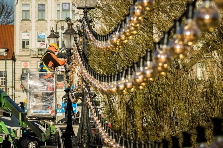 Za kilka dni przy ul. Mostowej w Bydgoszczy zacznie się montaż infrastruktury tegorocznego jarmarku świątecznego. Ten potrwa między 14 a 23 grudnia i