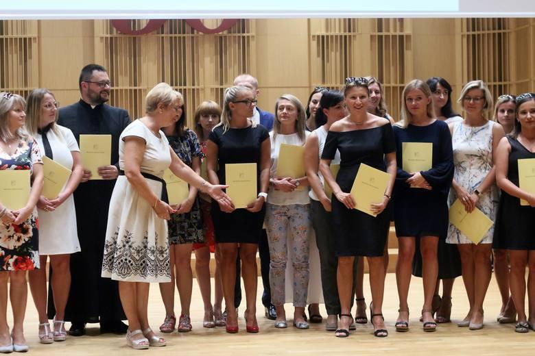 Prezydent Lublina wręczył nauczycielskie mianowania i dyrektorskie nominacje (ZDJĘCIA)
