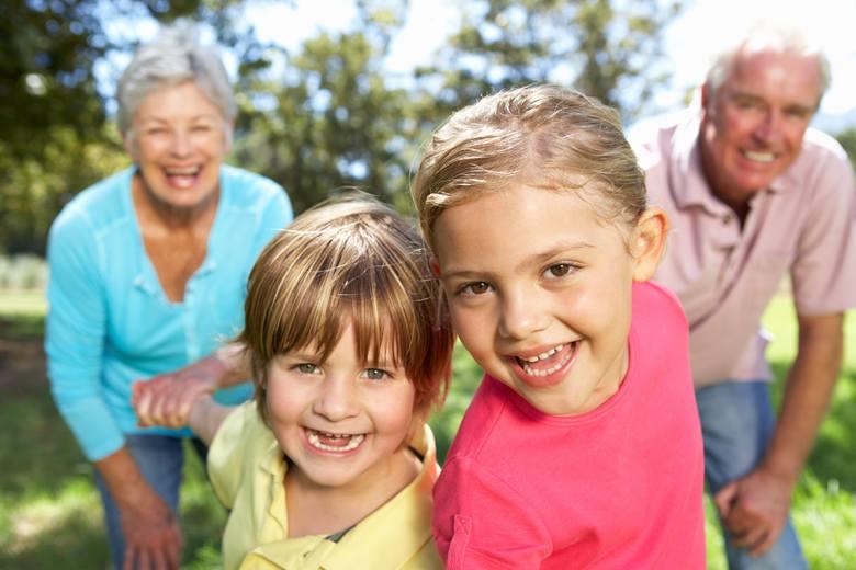 Wnuki, pamiętajcie o życzeniach dla babć i dziadków. Dzień Babci - 21 stycznia, Dzień Dziadka - 22 stycznia.