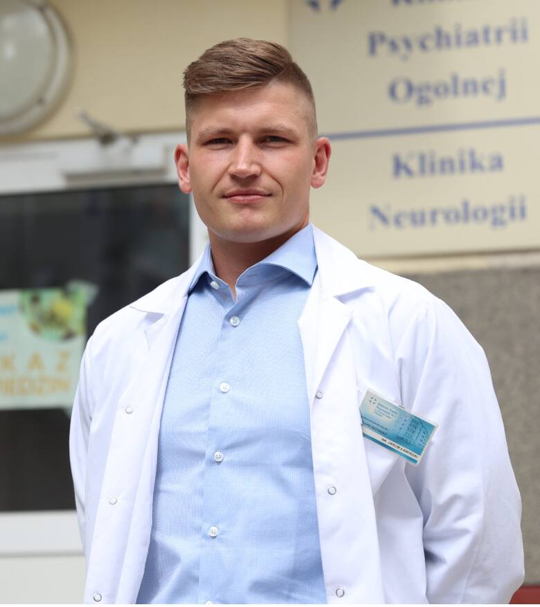 Kondycja psychiczna Polaków jest zła. Ludzie są torpedowani informacjami o śmiercionośnym wirusie