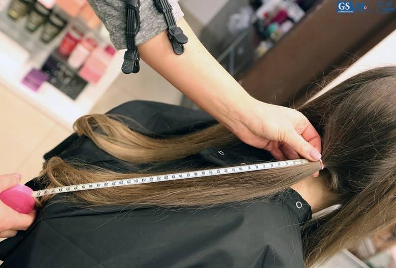 140 cm włosów od Julii dla chorych dzieci [wideo]