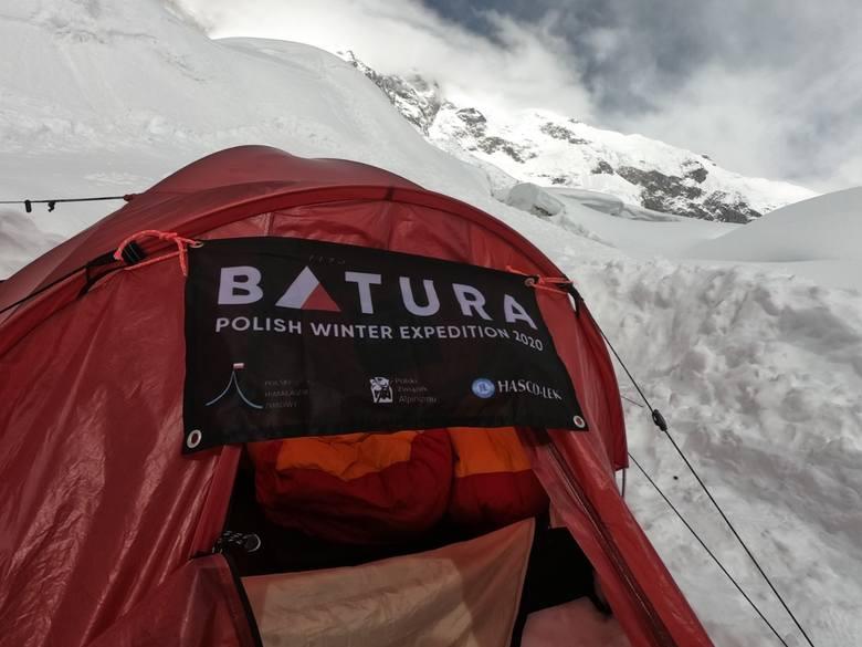 """Koniec zimowej wyprawy na Batura Sar. """"Jedyna racjonalna decyzja"""""""