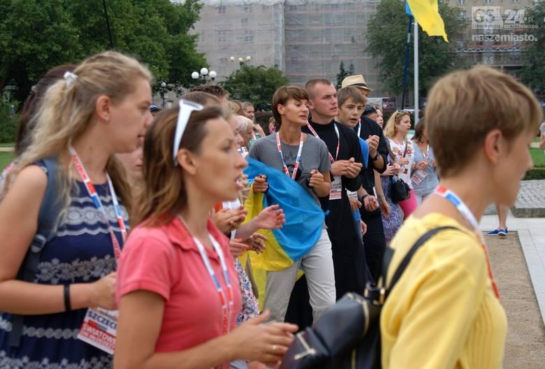 Choć główne obchody Światowych Dni Młodzieży mają miejsce w Krakowie, w Szczecinie także wciąż są celebrowane. Dziś przed południem na Jasnych Błoniach