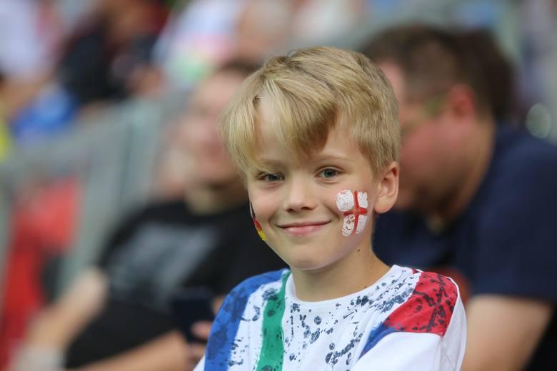 Zdjęcia kibiców podczas mistrzostw Europu do lat 21 na stadionie w Tychach