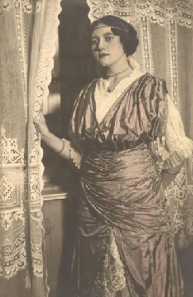 Ciocia Stasia naszej autorki Sylwii Dullin wybiera się na bal w Dworze Artusa