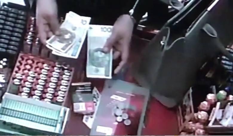 Dwie złodziejki w saloniku prasowym w Kluczborku.