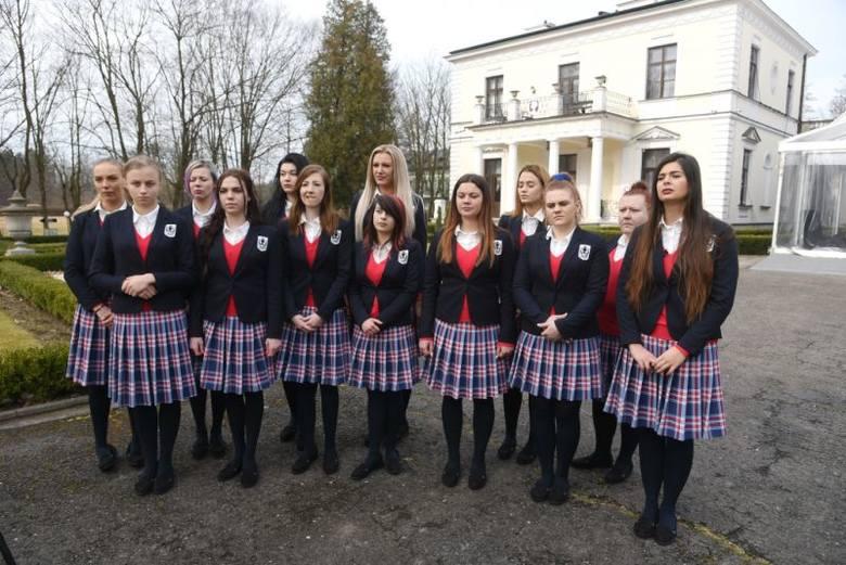 W 3 sezonie Projekt Lady zobaczymy 13 uczestniczek. Kim są dziewczyny, które zdecydowały się wziąć udział w programie Projekt Lady? Poznajcie je.Zobacz
