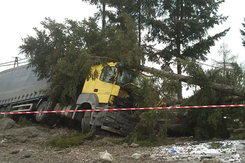 Zdjęcie z miejsca wypadku wysłane przez Internautę.
