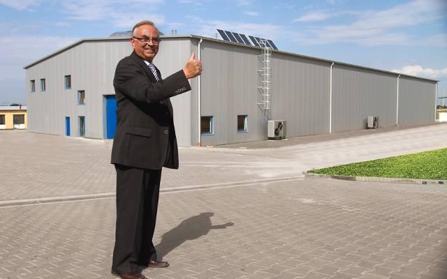 POWIAT GŁUBCZYCKIStanisław Galara, prezes firmy Galmet, BiznesBiznes zaczynał w 1982 roku od malutkiego zakładu rzemieślniczego otworzonego w garażu.