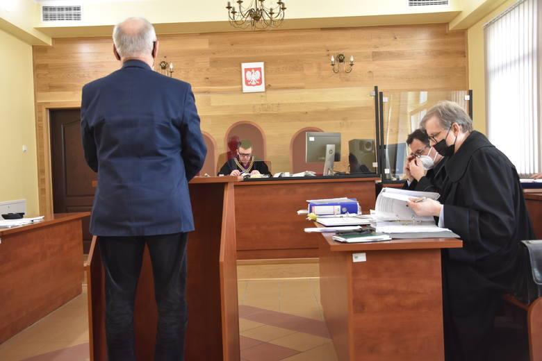 W Sądzie Rejonowym w Nakle  zeznania składali kolejni byli pracownicy Urzędu Miejskiego w Mroczy