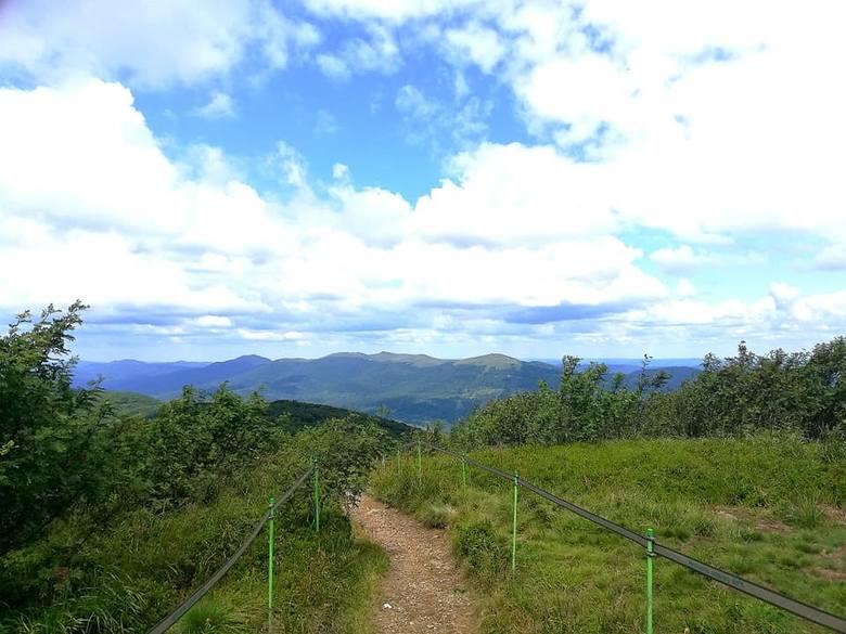 Piękna pogoda na bieszczadzkich szlakach. W weekend słonecznie było na Połoninie Caryńskiej oraz Rawce.