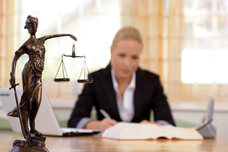 Prawnicy za darmo radzą mieszkańcom w Santoku i Deszcznie