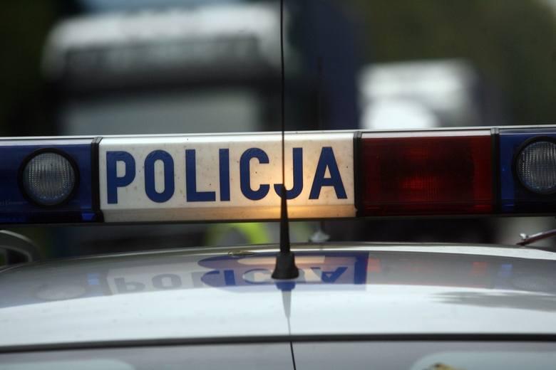 Niebezpieczny wypadek w Dąbroszynie. Trwają ustalenia policji
