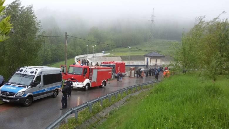 Ewakuacja w Wilkowicach została ogłoszona na wyupadek przerwania tamy i pęknięcia zbiornika retencyjnego w Wilkowicach
