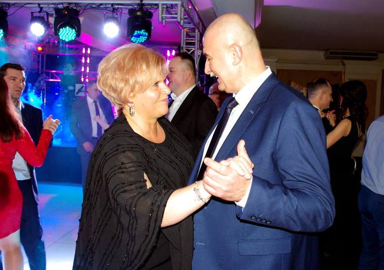 Tomasz Karolak na balu w Tarnobrzegu. Śpiewał i otwierał portfele! (ZDJĘCIA, WIDEO)
