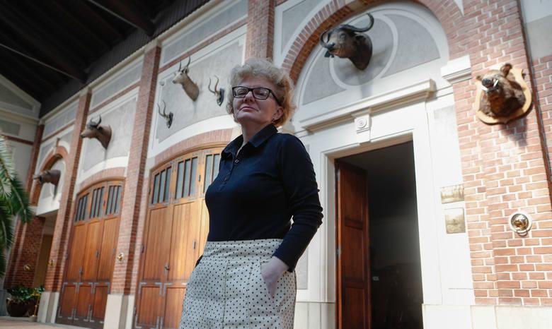 Aldona Cholewianka-Kruszyńska - historyk sztuki i kustosz Muzeum-Zamek w Łańcucie, od ponad 20 lat kieruje słynną łańcucką kolekcją pojazdów konnych<br />