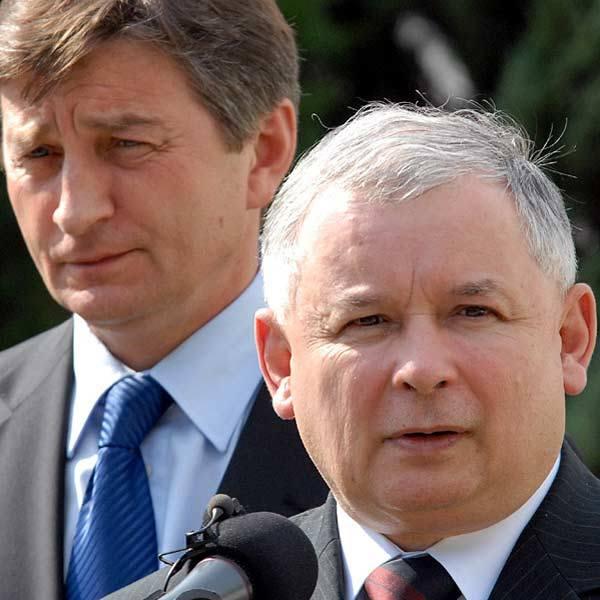 Premierowi Kaczyńskiemu towarzyszył poseł Marek Kuchciński.
