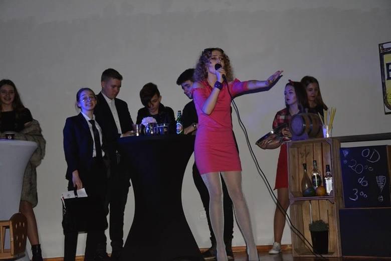 Za nami ogromne emocje związane z 5. Powiatowym Turniejem Teatralnym w Sławnie. Na scenie zaprezentowały się m.in. szkoły ze Sławna, Darłowa i Żukowa.