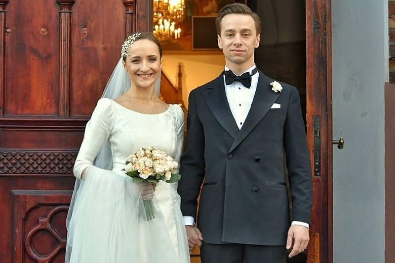 Kandydatki do roli pierwszej damy RP. Wybory 2020.Karina Bosak, żona Krzysztofa Bosaka, posła, kandydata Konfederacji Wolność i NiepodległośćŚwieżo poślubiona