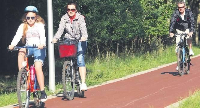 Kolejne zadanie to budowa ścieżki rowerowej, szlaku rowerowego R-10, wiodącej od węzła do Międzyzdrojów.