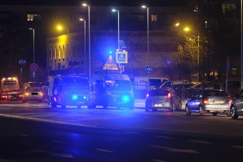 Do tragicznego w skutkach zdarzenia drogowego doszło dzisiaj (18.01) około godz. 18. w rejonie przejścia dla pieszych na ul. Bema w Toruniu. Kierująca