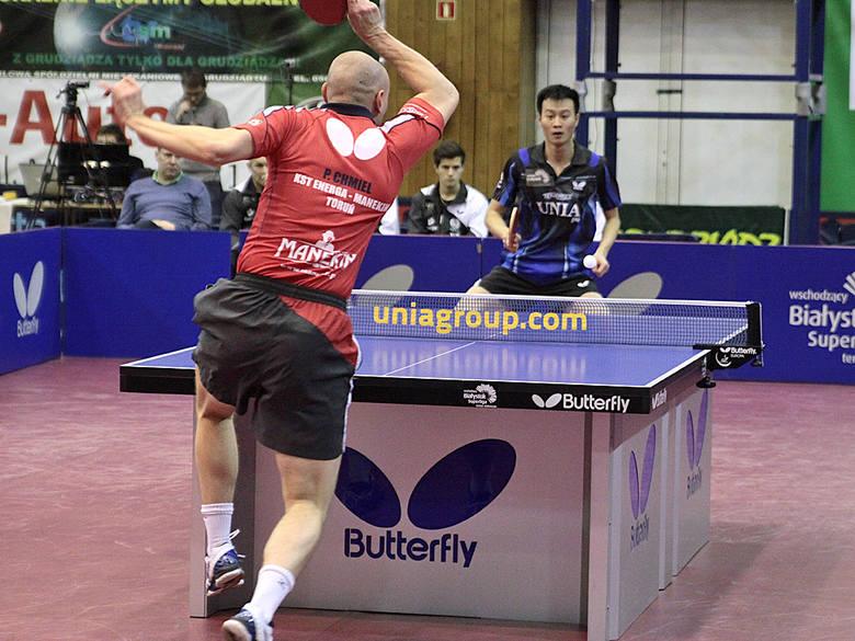 Tenis stołowy. Olimpia Unia pokonała Energę ManekiPojedynek Paweł Chmiel i Wang Yang. Wygrał Chmiel 3:2