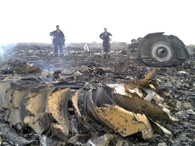 Malezyjski samolot zestrzelony na Ukrainie. 295 osób zginęło przez pomyłkę (zdjęcia, wideo)