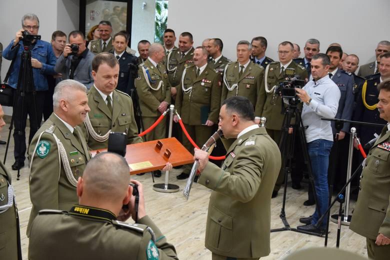 Gen. bryg. SG Robert Rogoz wczoraj, podczas obchodów święta Straży Granicznej w Bieszczadzkim Oddziale SG, pierwszy raz po generalskim awansie oficjalnie