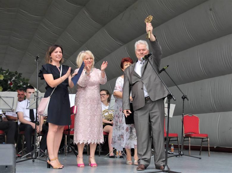 Niedzielna inauguracja Senioriady na placu Bartosza Głowackiego w Tarnobrzegu