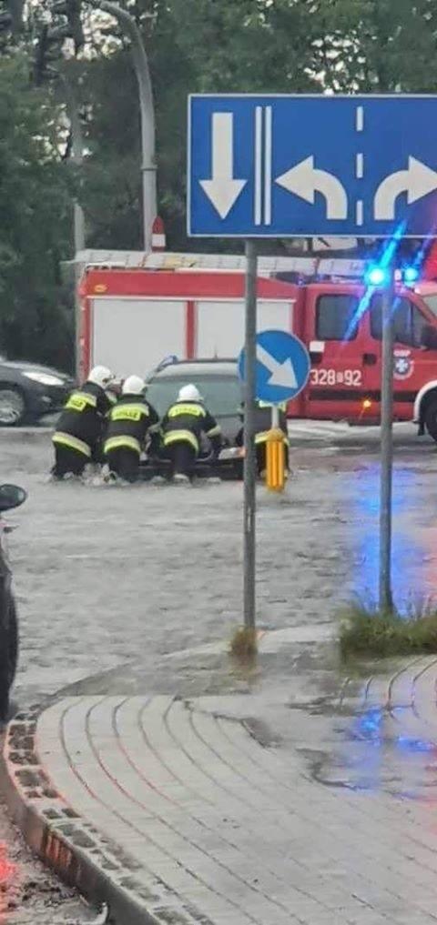Poniedziałkowe burze na Podkarpaciu: ponad 300 interwencji strażaków [ZDJĘCIA]