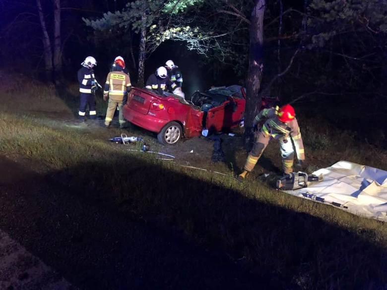 Po godz. 2.30 doszło do wypadku w Solcu Kujawskim na drodze krajowej nr 10. Samochód osobowy zjechał z drogi. Według pierwszych informacji miały być