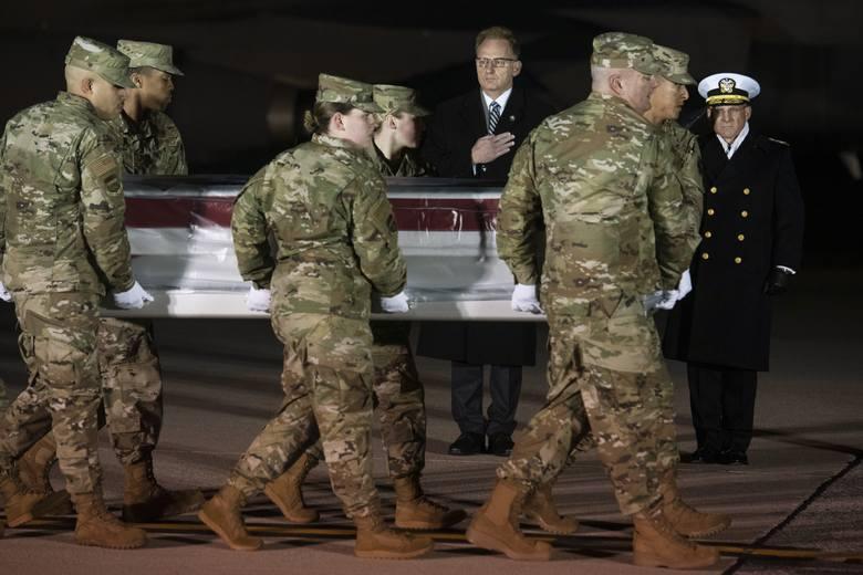 USA: FBI bada czy Saudyjczyk, który strzelał w bazie w Pensacola działał sam [WIDEO]