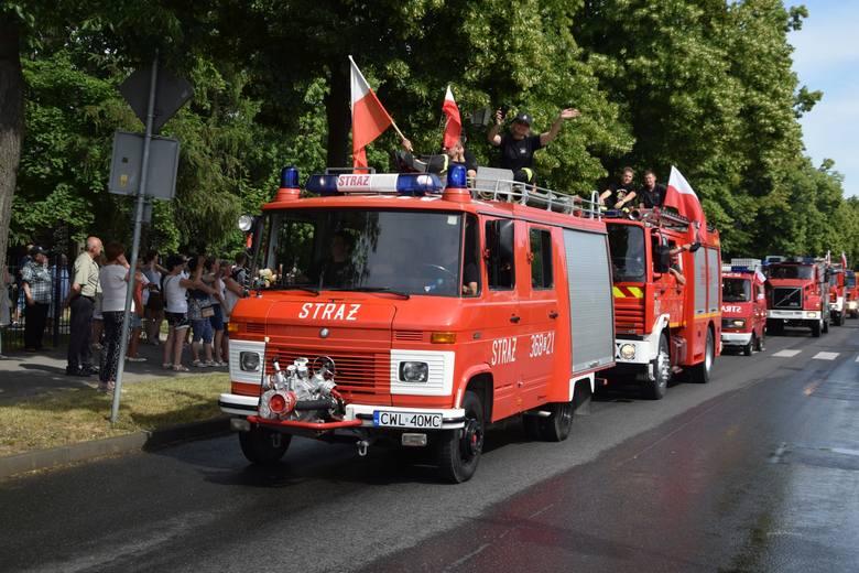 To było wielkie święto strażaków! Przez miasto przejechało ponad 60 jednostek z województwa. Parada zakończyła swój bieg na Stadionie Miejskim, gdzie