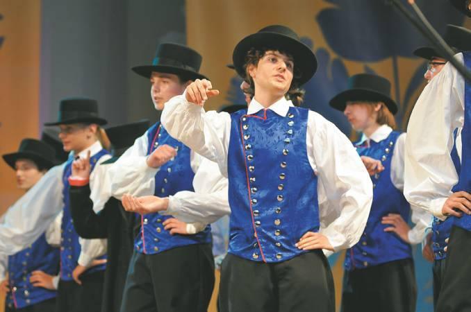 Lubuski Zespół Pieśni i Tańca ma 55 lat (zdjęcia)
