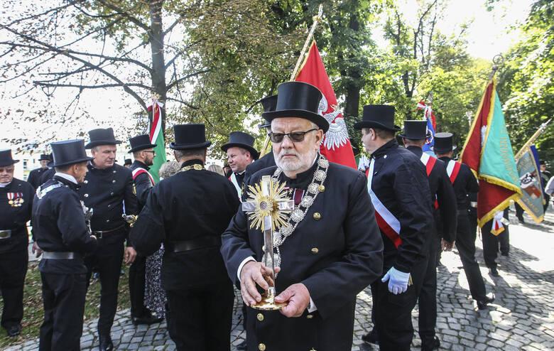Ogólnopolskie Święto Kominiarzy w Rzeszowie. Wielka parada ulicami miasta <strong><a href=