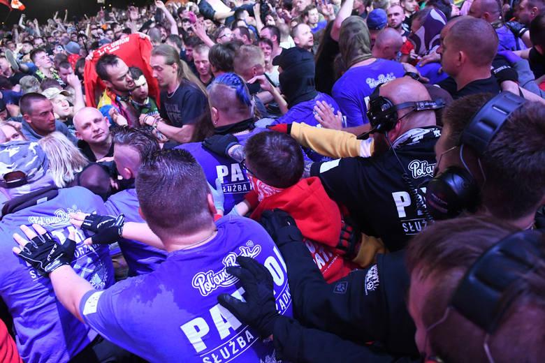 Kult nie zawiódł. Kult ściągnął do Kostrzyna tłumy. Kult rozgrzał pol'and'rockowa publiczność do czerwoności. Na tym koncercie było kilkaset tysięcy