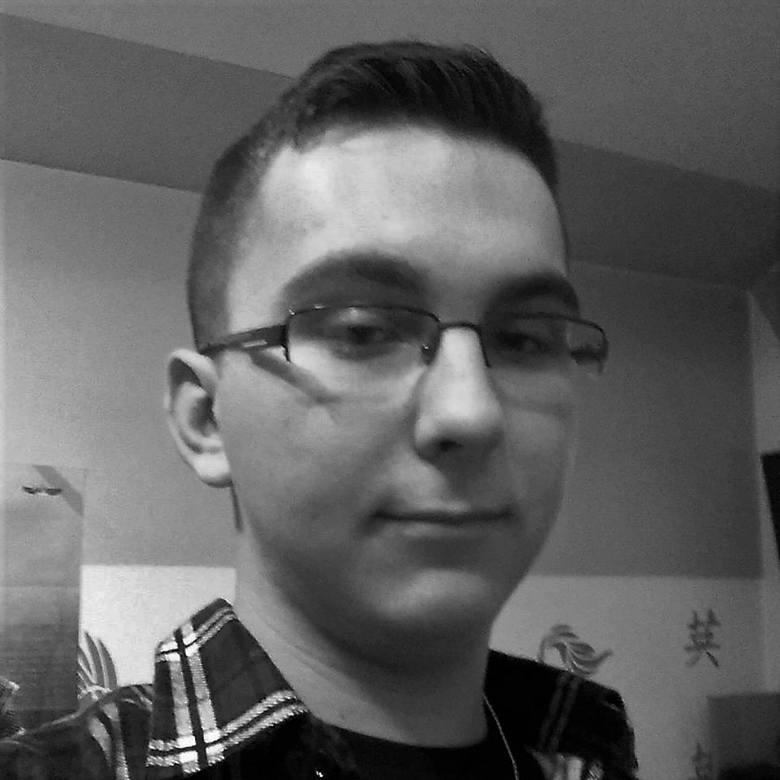 Szymon Pocielej (20 lat): Pracować w swoim kraju<br /> W XXI wieku znaczenie bycia patriotą uległo zmianie. Nie jest to już walka z okupantem, czy działalność konspiracyjna. Dziś patriota to ktoś, kto troszczy się o swoją własną wspólnotę. Osoba, która działa lokalnie, udziela się w debatach...
