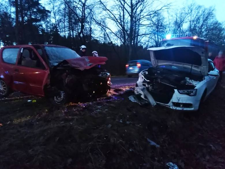 Do poważnego wypadku doszło w czwartek 10 stycznia, z samego rana na trasie Białcz-Nowiny Wielkie pod Gorzowem. Na miejscu są służby ratunkowe. Jedna