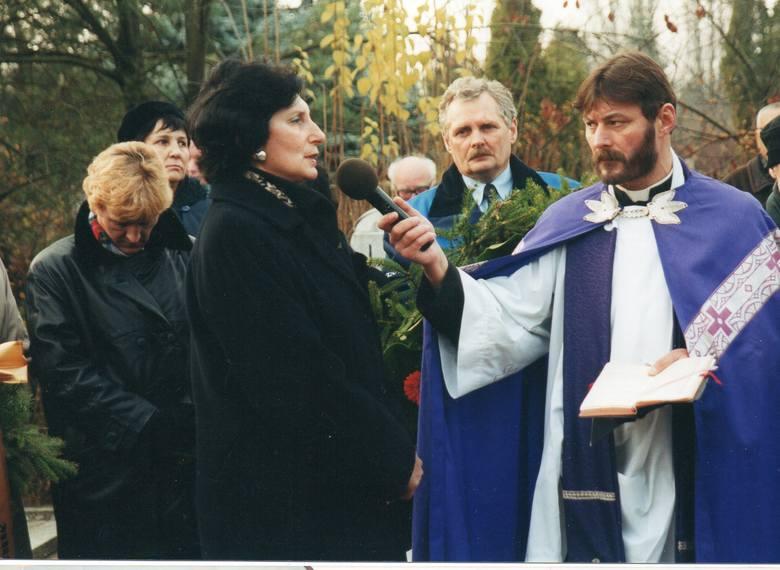 Wśród żegnających ją sportowców była także Irena Szewińska - koleżanka z drużyny, i prezes Polskiego Związku Lekkiej Atletyki