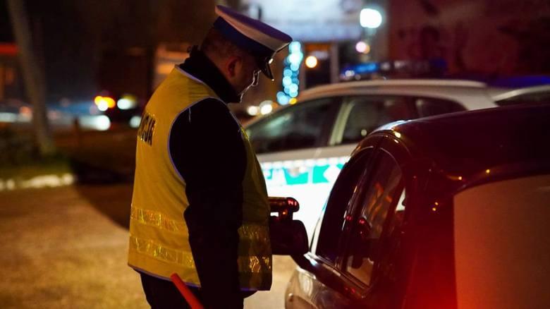 Policjanci zatrzymali w miejscowości Frącki kompletnie pijanego kierowcę