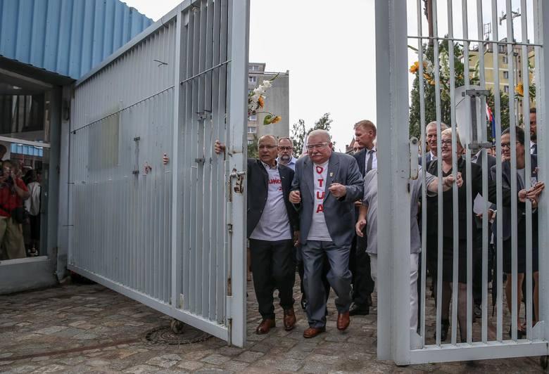 """Zdjęcie nominowane do Grand Press Photo 2020. """"Lech Wałęsa podczas obchodów 39. rocznicy podpisania gdańskich porozumień sierpniowych&q"""