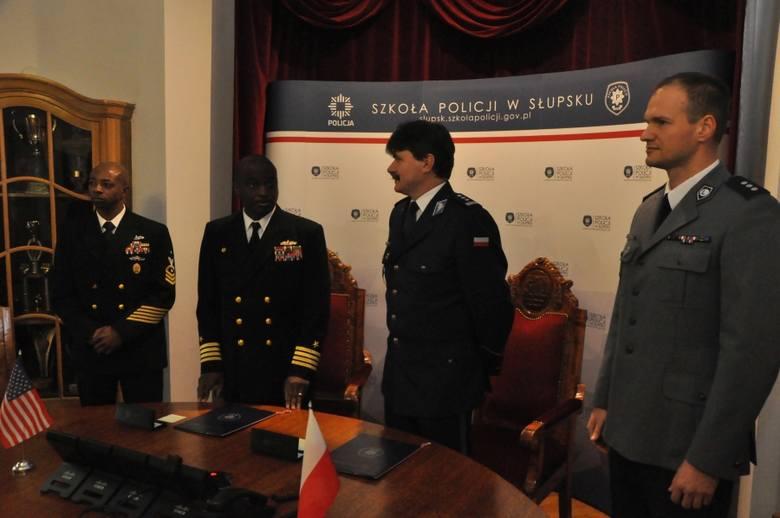 Współpraca Szkoły Policji w Słupsku z bazą w Redzikowie [zdjęcia]
