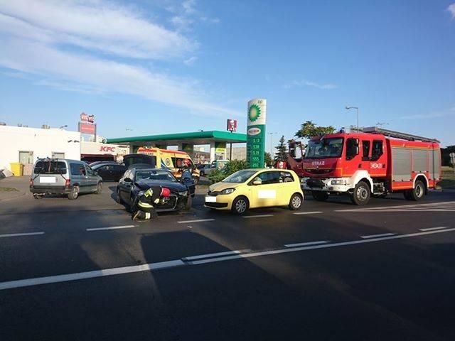 Kolizja drogowa na ul. Łyskowskiego w Toruniu [ZDJĘCIA]
