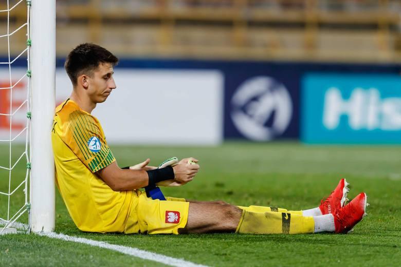 Trzy kluby z Premier League zainteresowane Kamilem Grabarą