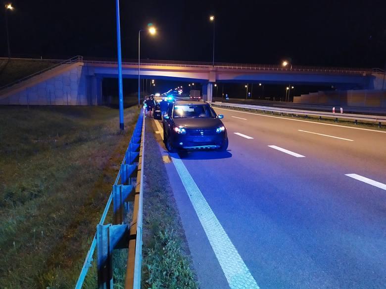 W wyniku zdarzenia pasażerowie obu pojazdów zostali przetransportowani do szpitala