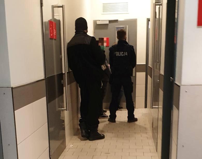 Dwie kradzieże w jednym czasie. Policja interweniowała w Kauflandzie przy ul. Przybyszewskiego w Łodzi ZDJĘCIA