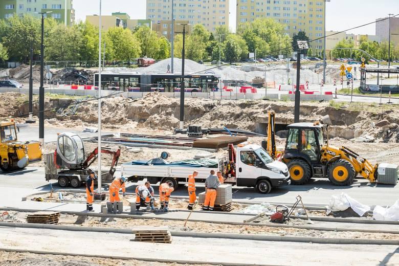 W Bydgoszczy aktualnie realizowanych jest kilkanaście inwestycji drogowych. Kolejne są w przygotowaniu. Do przodu idą m.in. prace przy rozbudowie ul.